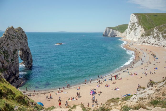 England's bathing water stay clean in 2017